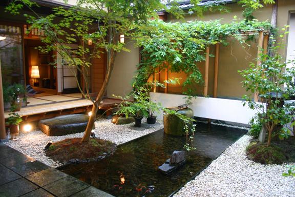Imágenes de jardines zen interiores
