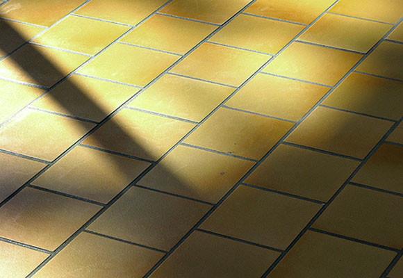 ¿Cómo instalar cerámicos en suelo exterior? En sencillos pasos