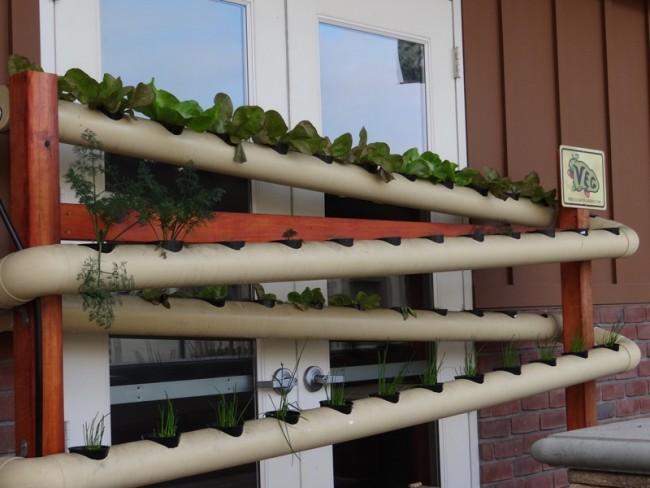 c mo instalar un jard n vertical con canaletas de pvc. Black Bedroom Furniture Sets. Home Design Ideas