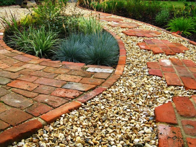 Consejos para instalar piedras en el jardín