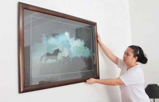 Arrange-Picture-Frames-on-Walls-Step-2