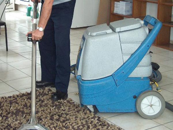C mo limpiar una alfombra - Como limpiar alfombras en seco ...
