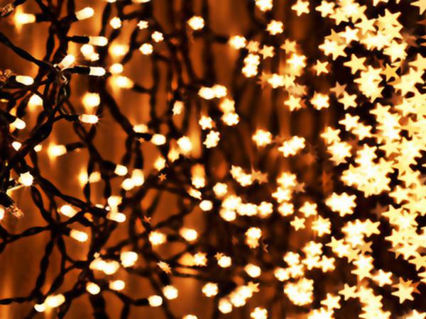 es importante tener las adecuadas para la instalacin de luces de navidad en su casa usted necesitar una escalera fuerte clips de luz