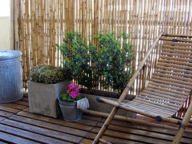 Instalar un jard n en tu balc n o terraza con flores for Jardines con canas y piedras