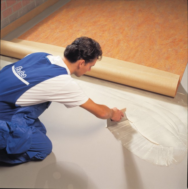 ¿Cómo instalar suelos de linóleo paso a paso?