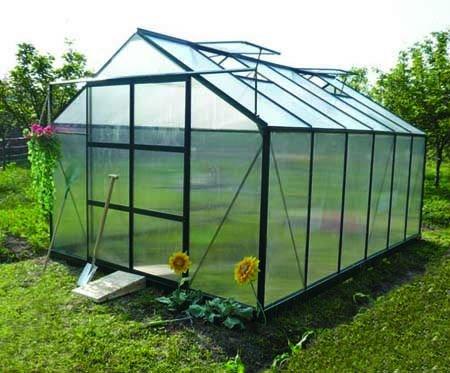 Montar un peque o invernadero en el jardin - Invernaderos para casa ...
