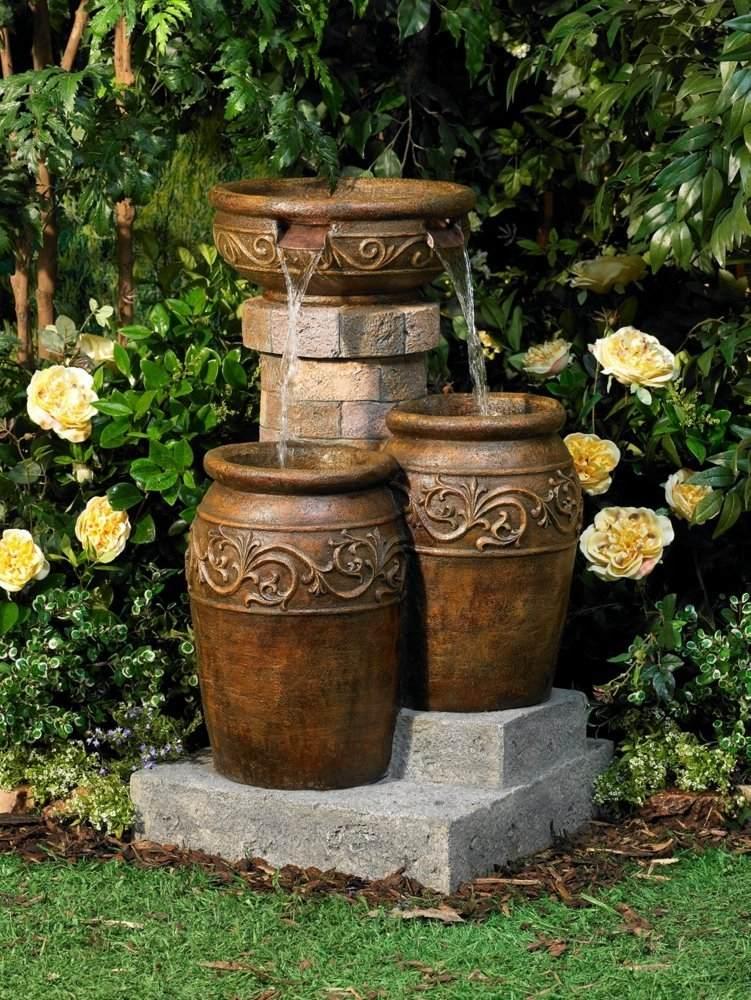 Instalar una fuente de agua decorativa en el jardin modelos - Fuentes de cascada ...