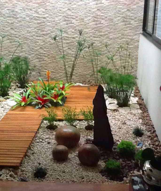 Dise o y decoraci n de jardines peque os y modernos 90 - Jardines interiores pequenos ...