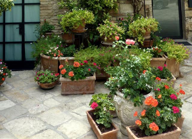 Dise o y decoraci n de jardines peque os y modernos 90 for Jardines bellos fotos