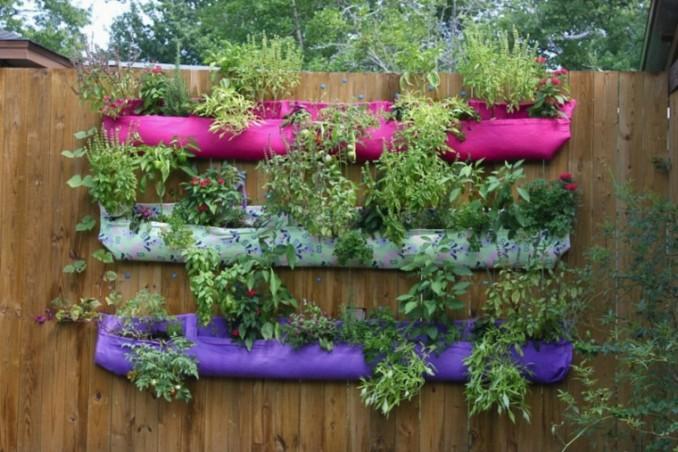 C mo instalar una huerta vertical peque a en el balc n o for Jardin vertical en balcon