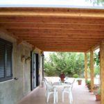 Cómo construir una galería con techo de madera
