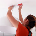 Cómo instalar lamparas colgantes y de pared