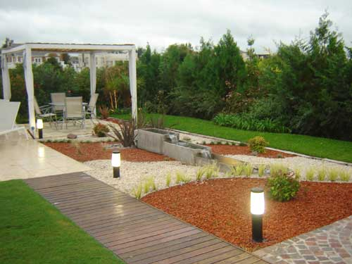 C mo instalar un jard n seco exterior s mil zen - Paisajismo jardines exteriores ...