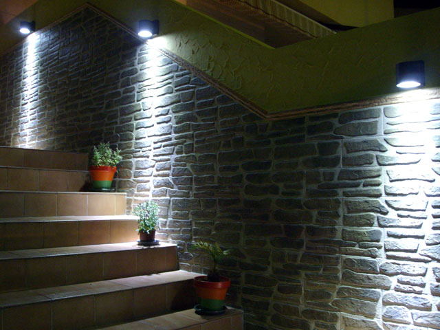 Como hacer macetas de cemento concreto u hormig n for Focos para exterior jardin