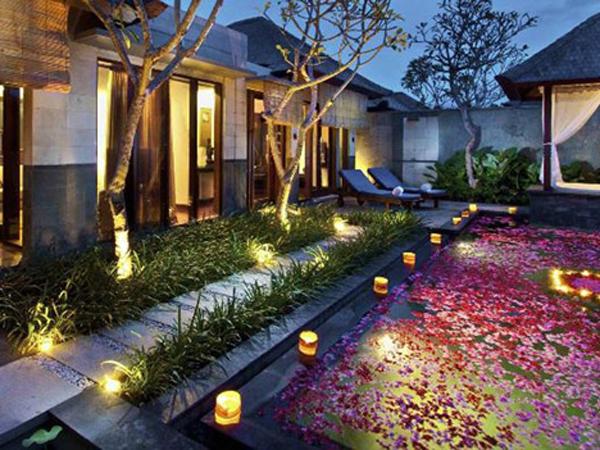 Consejos de como iluminar su jard n con gusto for Iluminacion para jardines interiores