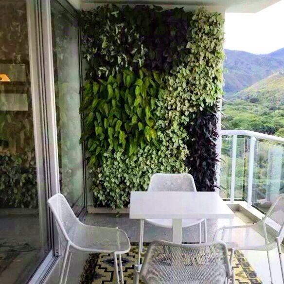 C mo instalar un jard n vertical peque o en la terraza for Verde vertical jardines verticales