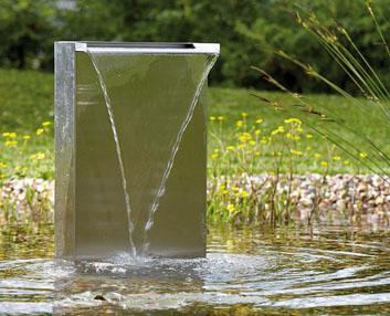 Instalar una fuente de agua decorativa en el jardin modelos for Cascadas modernas para jardin