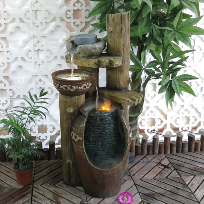 Pastoral-europea-casa-grande-fuente-de-agua-de-interior-rocalla-patio-balcón-sala-de-estar-decoración