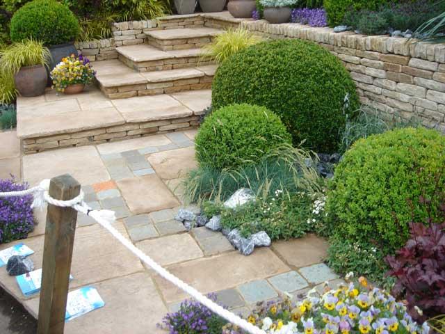 Dise o y decoraci n de jardines peque os y modernos 90 for Cascadas para jardines pequenos
