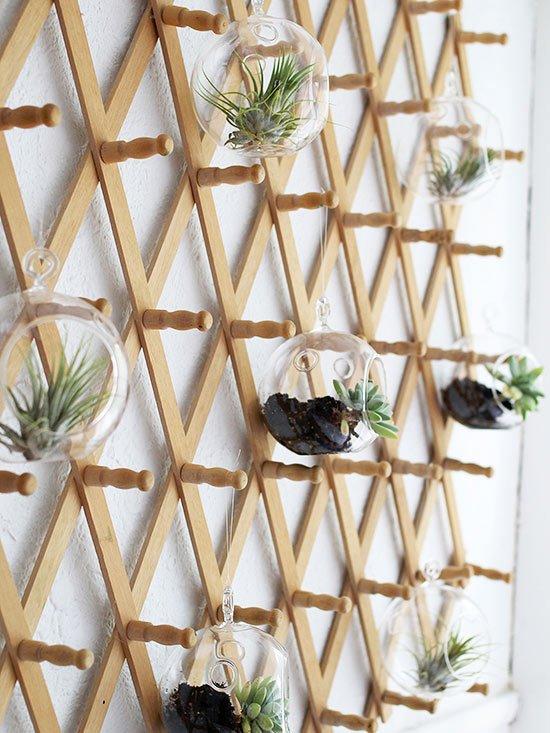 C mo hacer jardines peque os verticales y modernos - Macetas para jardin vertical ...