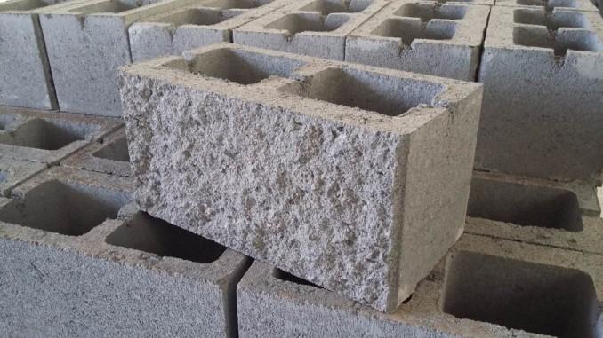 C mo hacer bloques de cemento concreto u hormig n - Como hacer un piso de hormigon ...